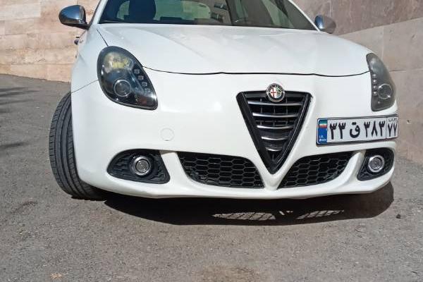 خرید خودرو آلفارومئو جولیتا - 2014